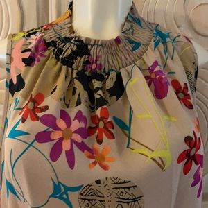 Agora sleeveless smocked floral pullover blouse M